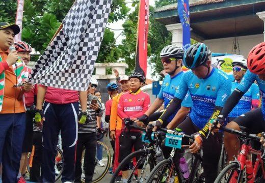 Wagub Taj Yasin Ajak Warga Rembang Promosikan Wisata Via Medsos