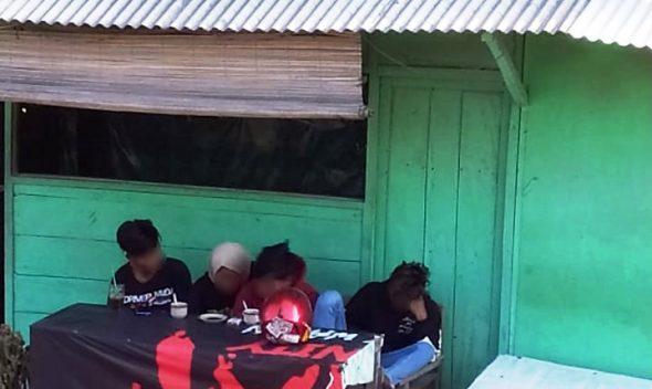Warga Protes Warung Remang-remang di Utara SMAN Pamotan