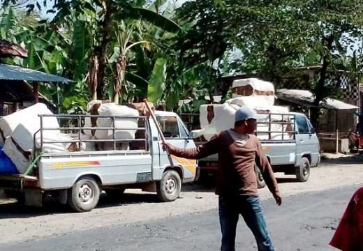 Petani Rembang Hadapi Impor Tembakau