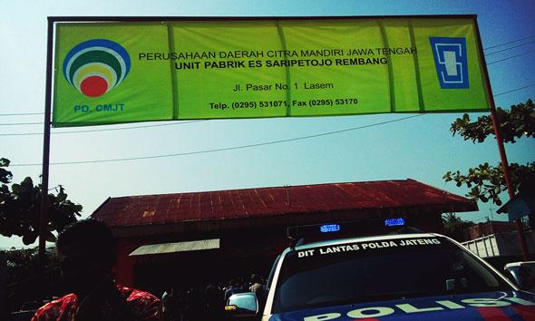 Saripetojo Rembang Dikepung Pabrik Es Pesaing