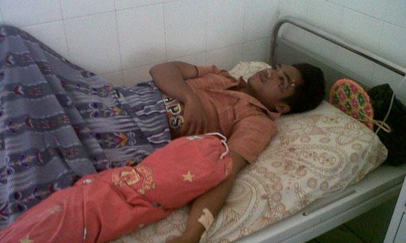 Dikeroyok Tetangga, Dua Pemuda Blandok Luka-luka