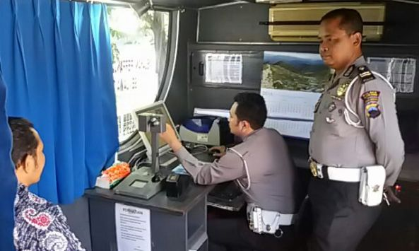 Polda Keliling di Rembang Layani Perpanjangan SIM