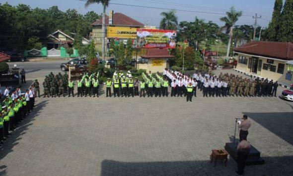Polisi Gelar Pasukan Sikapi Unjuk Rasa Jakarta
