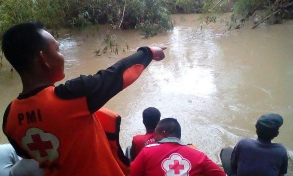 Seorang Warga Hilang Terseret Arus Sungai Jeruk