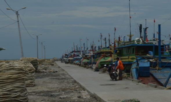 Puluhan Kapal Cantrang Rembang mulai Melaut