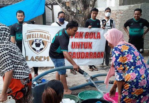 Bantu Warga Kekeringan, Wellman FC Droping Air Bersih