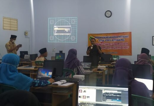 Kampus YPPI Rembang Latih Guru Manfaatkan Teknologi Pembelajaran