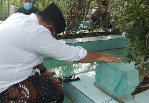 Pulang ke Rembang, Menag RI Gus Yaqut Ziarah Leluhurnya