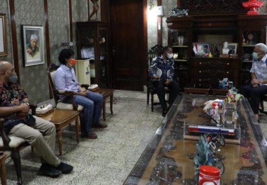 Datang ke Jateng, Apolo Safanpo Minta Ganjar Hadir di Papua