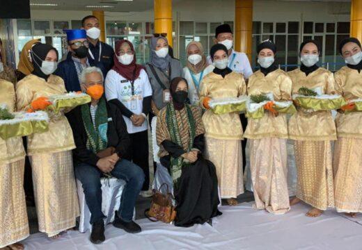 Kafilah STQ Jateng Diantar Langsung oleh Gubernur ke Maluku Utara